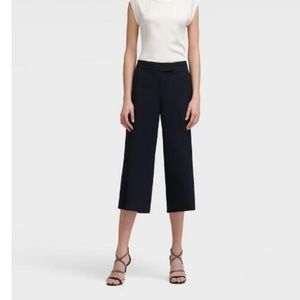 DKNY Navy Wide Leg Cropped Pant Size 4